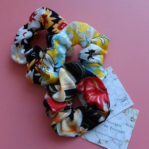 Floral Oversized Scrunchie - Navy Yellow Black